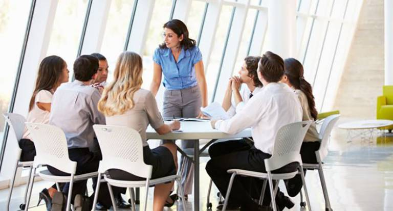 Carrefour lanza su programa de prácticas con UNIR
